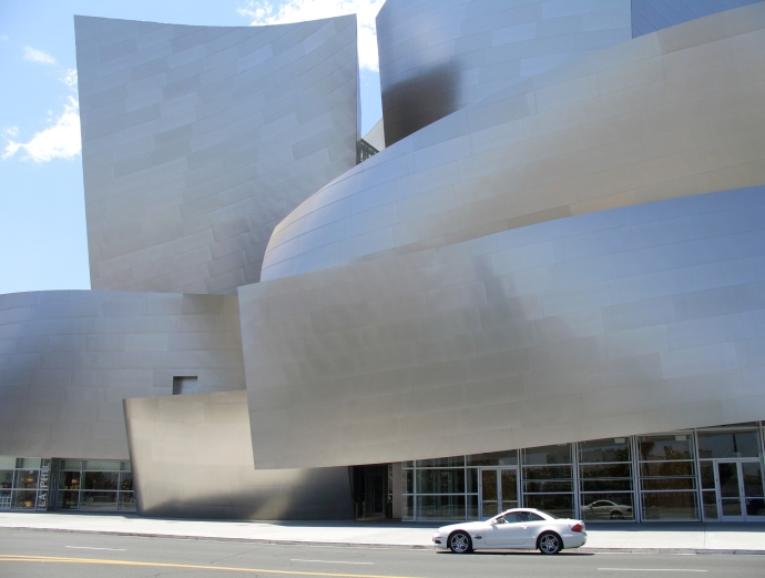 The Walt Disney Concert Hall, in downtown Los Angeles, was designed by superstar architect Frank Gehry. It opened in 2003.  This photo was taken during my July 2006 visit to La-La Land.
