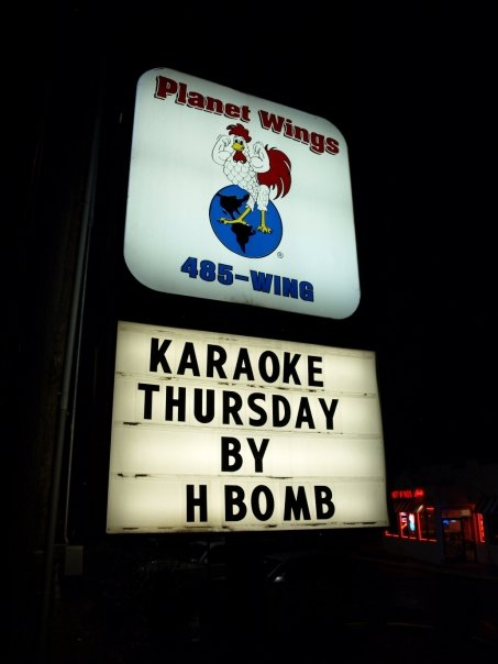 Planet Wings sign