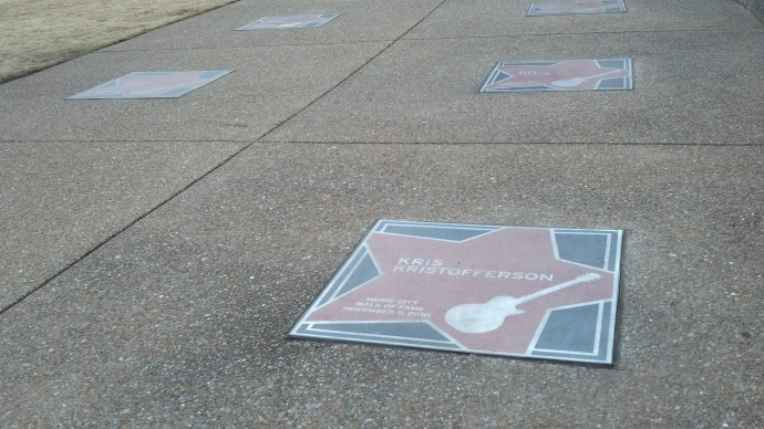Kris Kristofferson is among the luminaries honoured with a star on the Walk of Fame.