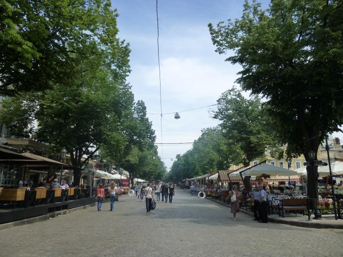 A view of Deribasovskaya Street.