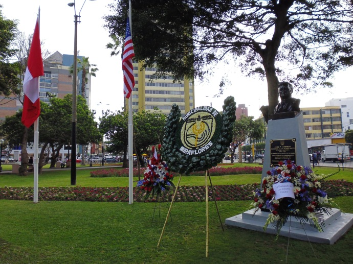 Another view of Parque John F. Kennedy in Lima.