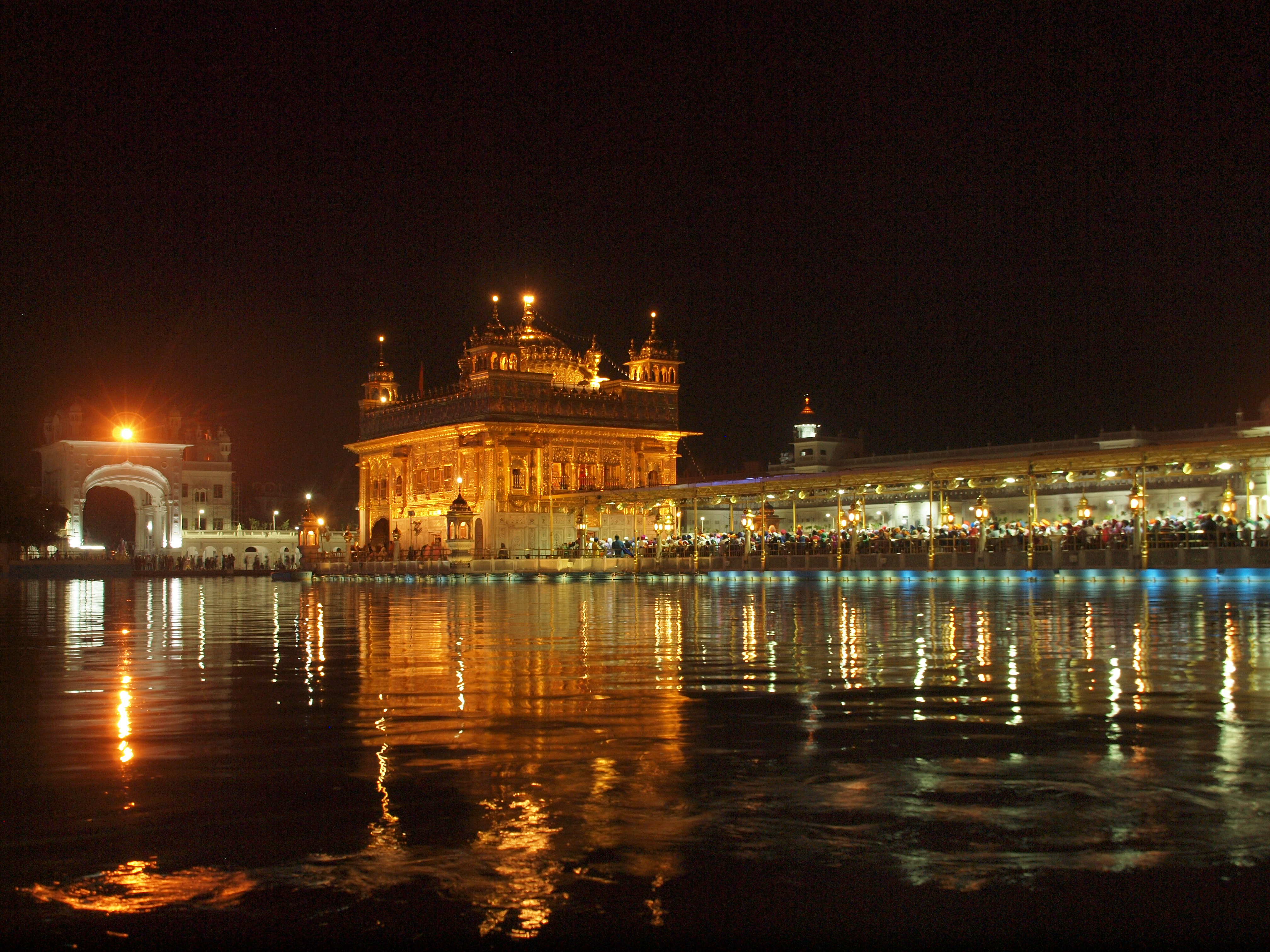 A golden temple and a remembrance of spilt blood in for Golden night