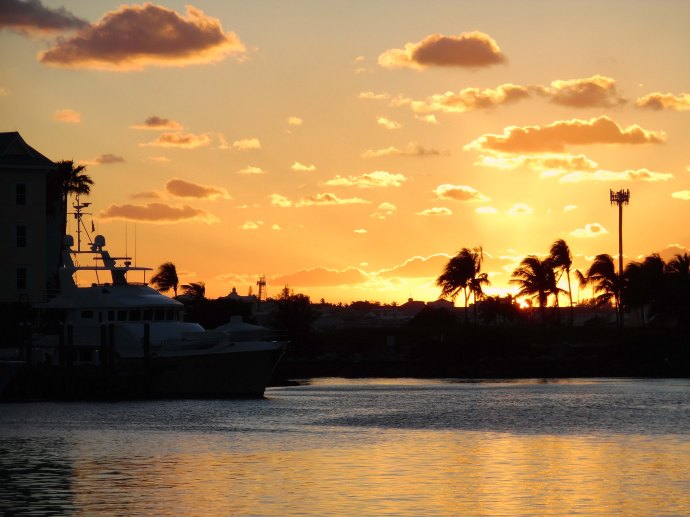 A sunset viewed from Paradise Island.