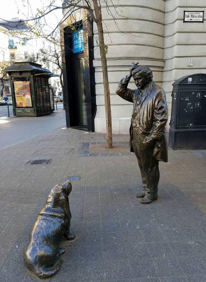 The bronze statues of Columbo and his unnamed dog.